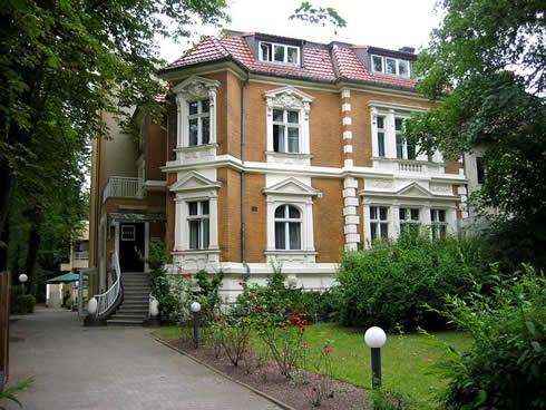 Seniorenheim am Jungfernstieg GmbH